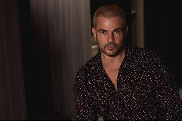 عمرو دياب يستعد لتلقي لقاح كورونا