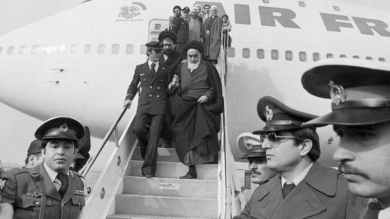 إيران تحيي ذكرى الثورة: بريطانيا حرصت على إرضاء الشاه فصُدمت بنجاح الثوار في إسقاطه -وثائق سرية